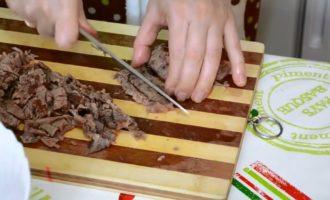 Как приготовить мясную солянку